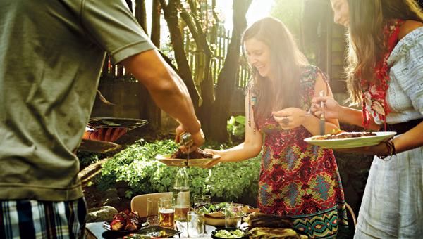 5 Green Tips For Your Summer Backyard Bash