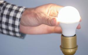 CFL vs LED: The Energy Saving Light Bulb Debate is Over